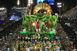 DESFILE/ESCOLAS DE SAMBA/CARNAVAL RIO 2015/BEIJA-FLOR